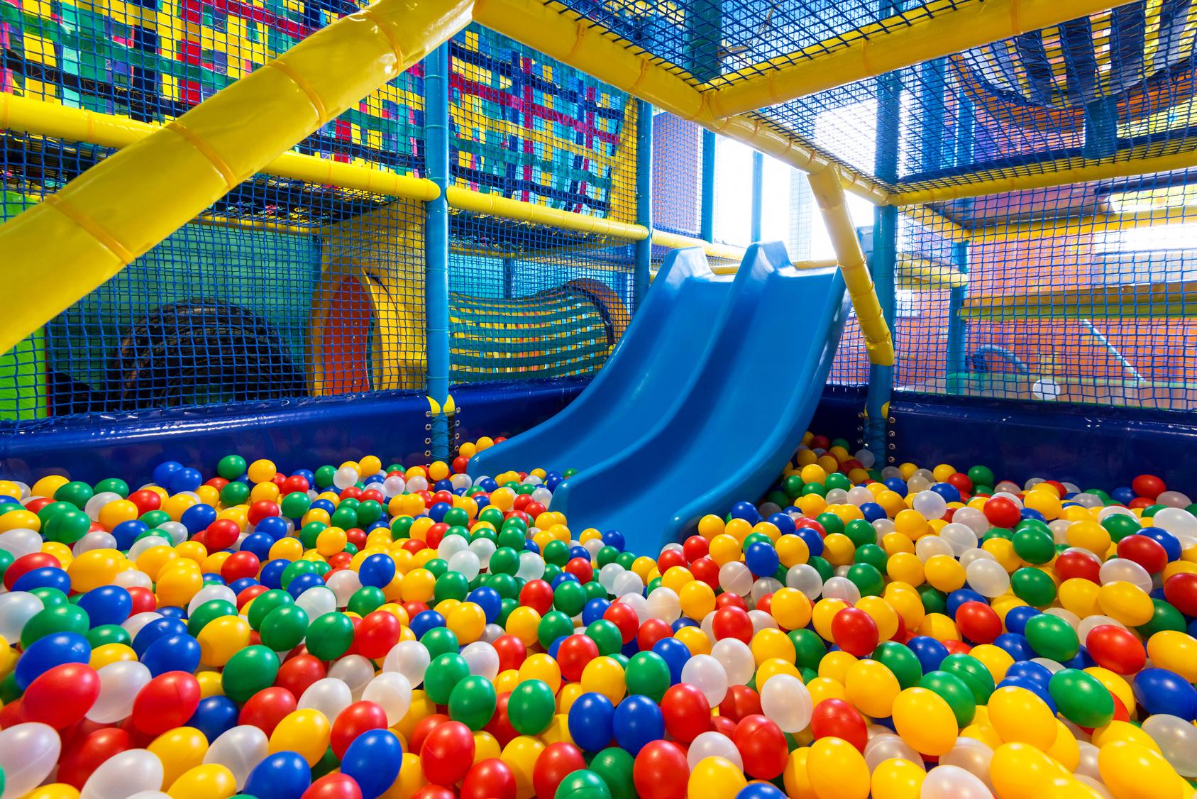 slide-bueno-parques-de-bolas